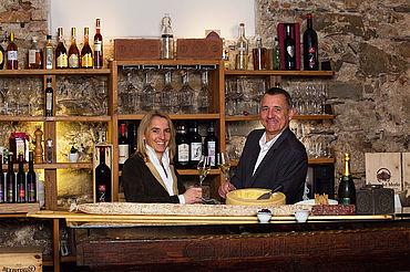 Weinkeller mit Hanni und Gerhard, (c) Schlosshotel Mondsee